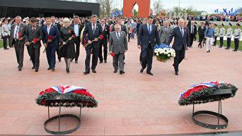 Открытие мемориала жертвам фашистской оккупации Крыма