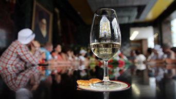 Производство сувенирного набора шампанского Новый свет