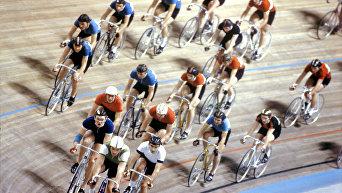 Групповая гонка на велотреке