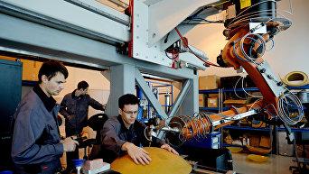 Интеллектуальный роботизированный комплекс для обработки деталей вертолетов