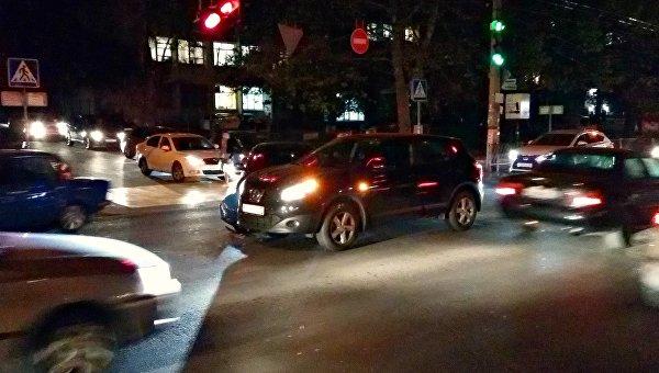 В Симферополе водитель ценой своей машины спас пешеходов