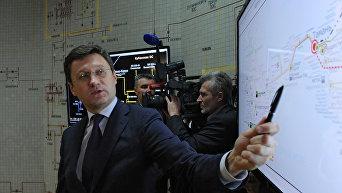 Министр энергетики РФ Александр Новак во время запуска первой очереди энергомоста в Крым