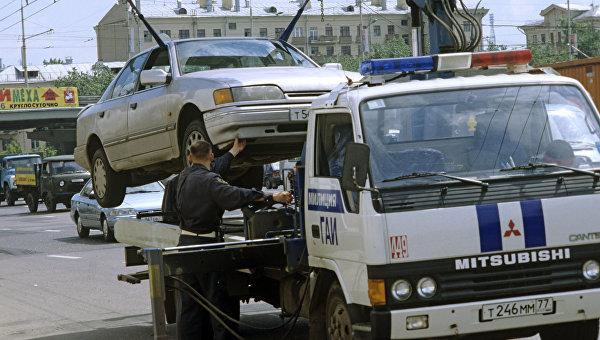 Симферопольских водителей предупредили опринудительной эвакуации авто иштрафах