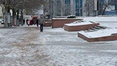 Снег на улицах Симферополя