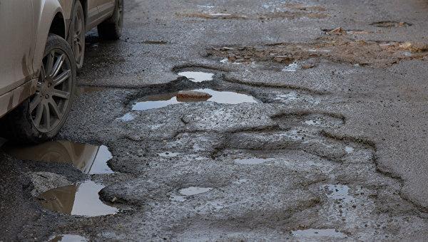 Администрация Симферополя насчитала 81 улицу, требующую ремонта после морозов