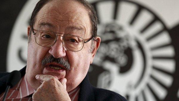 Писатель Умберто Эко