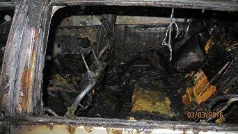 Сгоревшая машина в Алупке