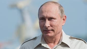 Рабочая поездка президента РФ Владимира Путина в Крым 18 августа 2015 года