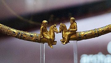 В музее Акрополя (Греция) проходит выставка трех уникальных золотых предметов из скифской коллекции Эрмитажа
