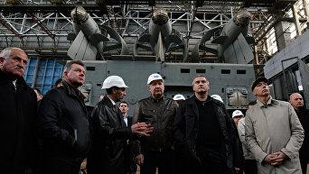 Заместитель председателя правительства РФ Дмитрий Рогозин посетил судостроительный завод Море в Феодосии