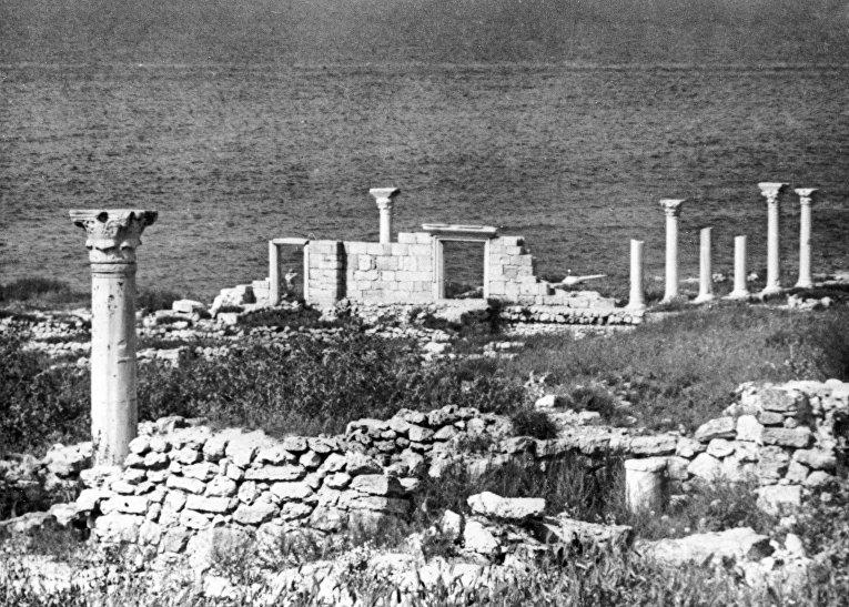 Крым в ч/б фото. Базилика 1935 года