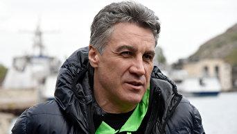 Режиссер Алексей Пиманов на съемках фильма Крым в Балаклаве