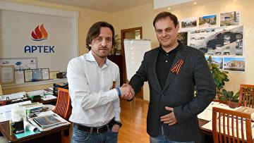 Генеральный директор МДЦ Артек (слева) и руководитель регионального подразделения МИА Россия сегодня в Крыму Вадим Волченко (справа).