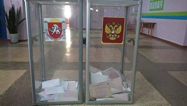 Предварительное голосование партии Единая Россия. Участок в школе №29 города Симферополя