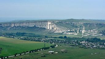 Крым с высоты птичьего полета. Белая скала под Белогорском