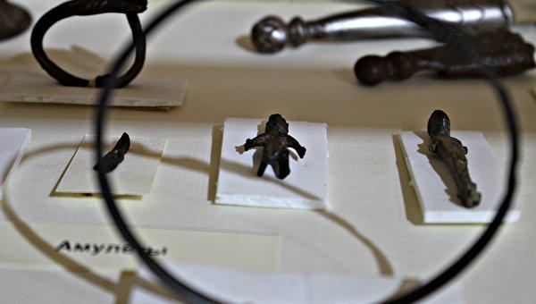 Амулеты на выставке Неаполь не скифский: два века археологии древней столицы в Центральном музее Тавриды (Симферополь)