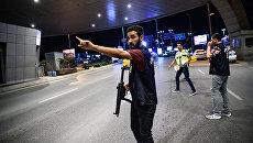На месте теракта в аэропорте Стамбула. 29 июня 2016 года