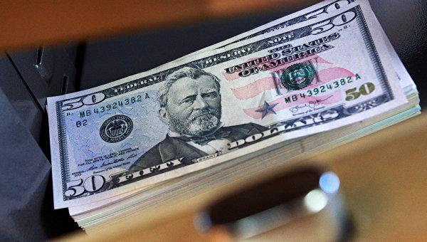 Крымского таможенника обвиняют вполучении взятки в200 долларов