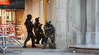Полиция на площади Карлсплатц. Мюнхен, 22 июля 2016 года