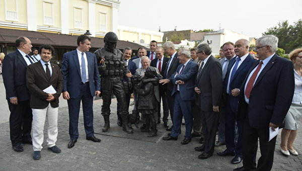 Порошенко в бешенстве: французы массово посещают Крым