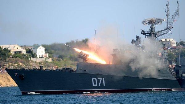 Подлодки ипротиволодочные кораблиЧФ проводят учения уберегов Крыма