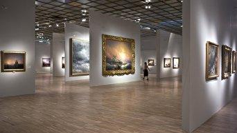 Выставка картин Ивана Айвазовского. Архивное фото
