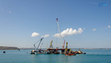 Строители приступили к сборке судоходных арок Крымского моста