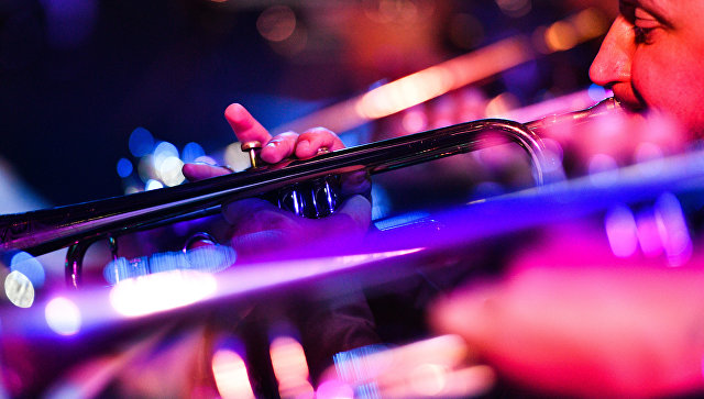 Музыканты биг-бэнда Георгия Гараняна выступают с программой Tribute to Benny Goodman на фестивале Koktebel Jazz Party