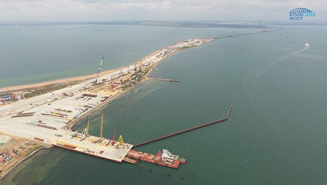Рабочие завершили строительство временной инфраструктуры Крымского моста