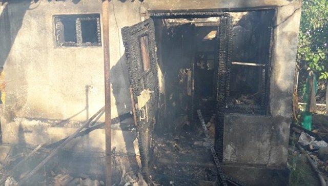 ВСаках пожарные вынесли изогня 3-х человек