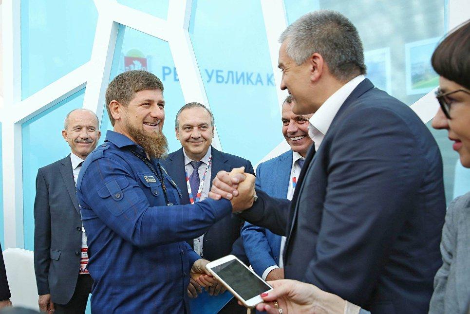 Рамзан Кадыров посетил крымский стенд на вымысел «Сочи-2016»
