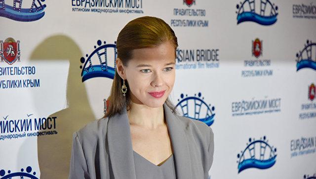 Открытие первого международного кинофестиваля Евразийский мост в Ялте. Актриса Катерина Шпица
