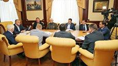Аксёнов поручил профильным ведомствам усилить контроль над подрядчиками в дорожной сфере