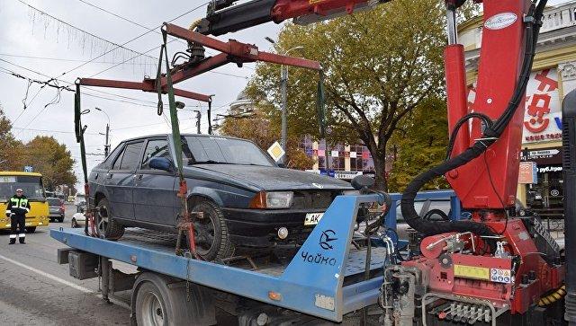 Власти Симферополя объявили оначале эвакуации неправильно припаркованных авто