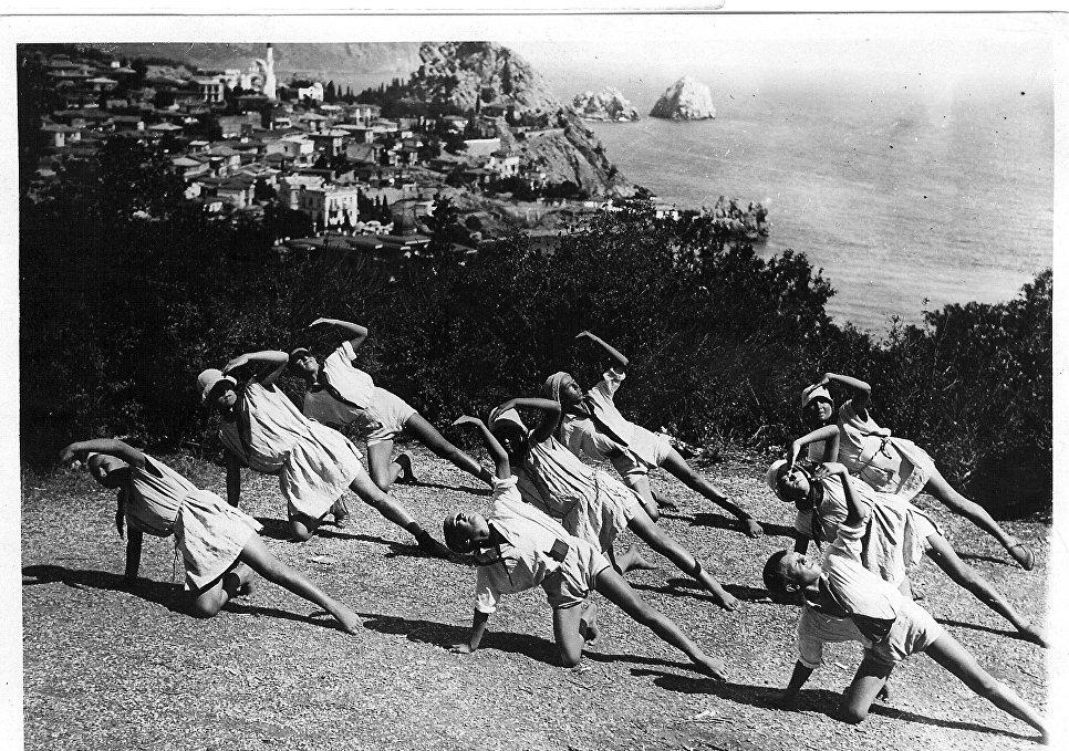 Дети на отдыхе в Артеке. 1925 год