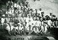 Основатель лагеря Артек Зиновий Соловьев с пионерами из Германии. 1927 год