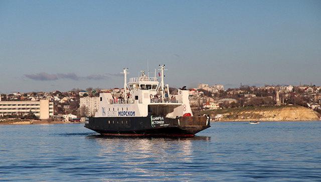 Паром Адмирал Истомин в Севастопольской бухте