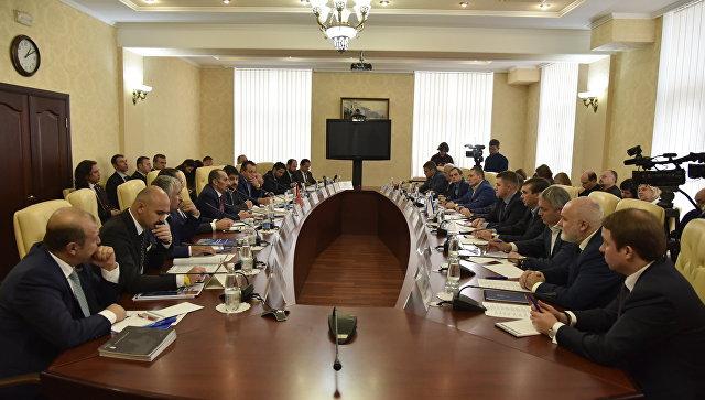 Руководитель турецкой делегации пообещал отмену санкций против Крыма совсем скоро