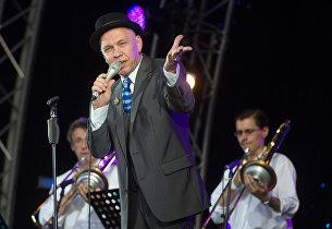 Музыкант Александр Ф. Скляр