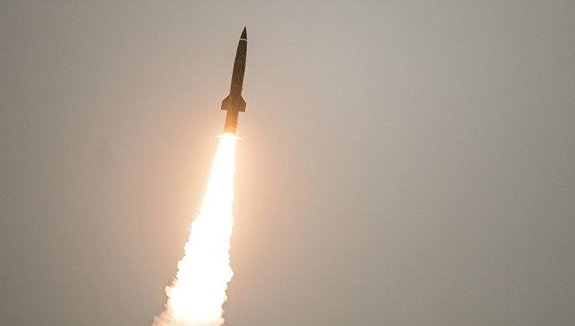 Пуск ракеты из тактического комплекса Точка-У