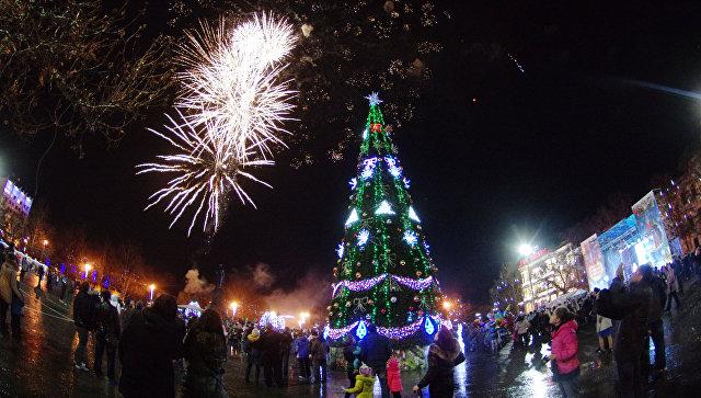 Открытие главной городской елки в Севастополе в 2014 году