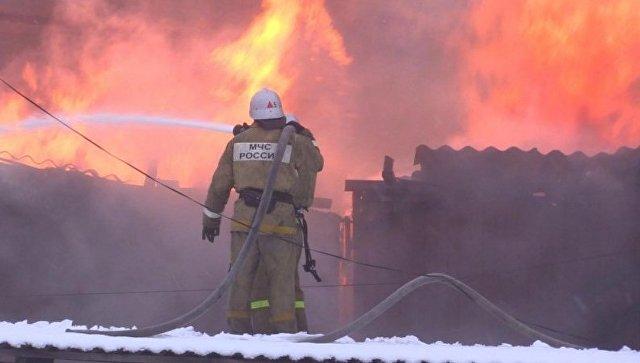 Пожар в двухэтажном офисном здании в поселке Грэсовский
