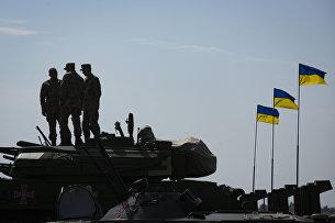 Военная техника на военном аэродроме в Харьковской области