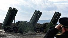 В Феодосии на боевое дежурство заступил полк, вооруженный комплексами ПВО С-400 Триумф