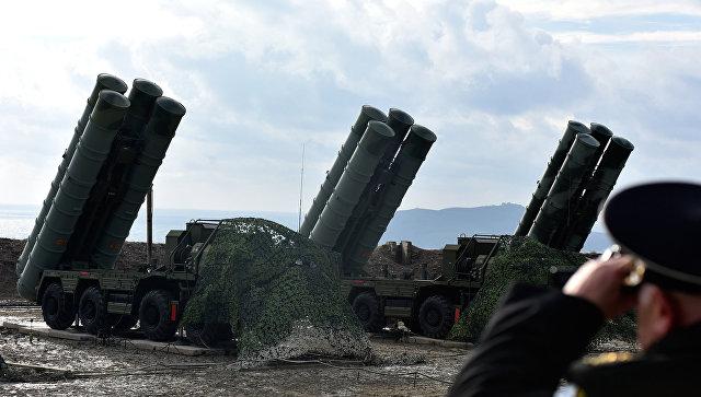 Вооруженный комплексами ПВО С-400 Триумф