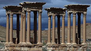 Античный тетрапилон в Пальмире, Сирия