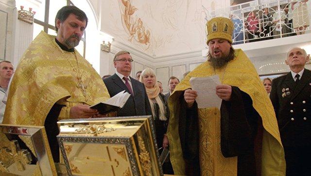 Благочинный Севастопольского округа протоиерей Сергий Халюта (второй справа) в храме святого Архистратига Михаила в Севастополе