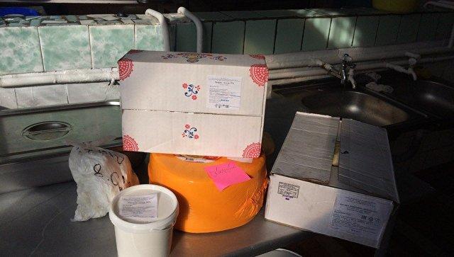 ВСимферополе детей кормили суррогатными сосисками имолоком