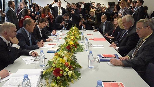Министр иностранных дел РФ Сергей Лавров во время переговоров в рамках встречи глав МИД G20