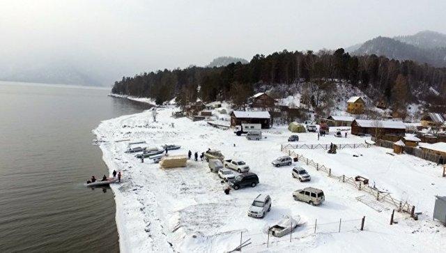 Операция по поиску вертолета Robinson R-66 на Телецком озере в Республике Алтай